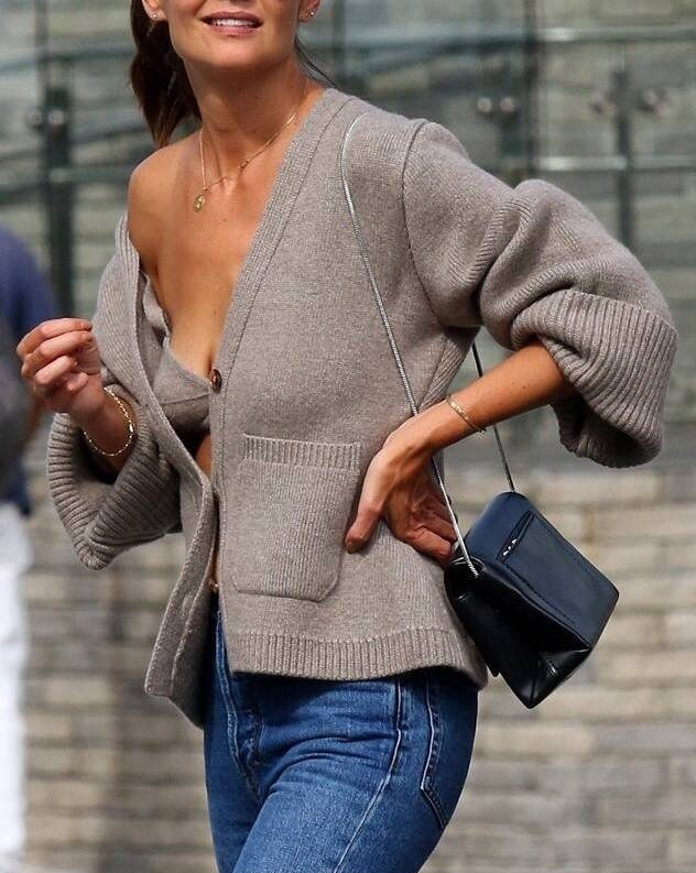 Fashion Trends, Katie Holmes wearing the sweater set trend