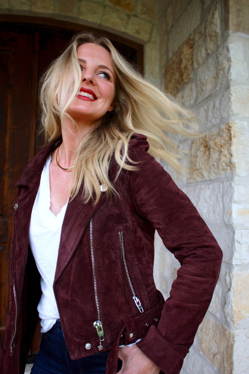 Mom Uniform, cool mom outfits, outfit ideas, nordstrom, moto jacket, blank nyc, suede jacket, skinny jeans, smile