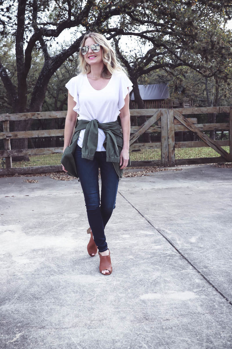 spring outfit ideas and mini capsule wardrobe, easy and affordable spring clothing, skinny jeans, sandals, scarves, blazer, striped top and tote bag with ruffle sleeve