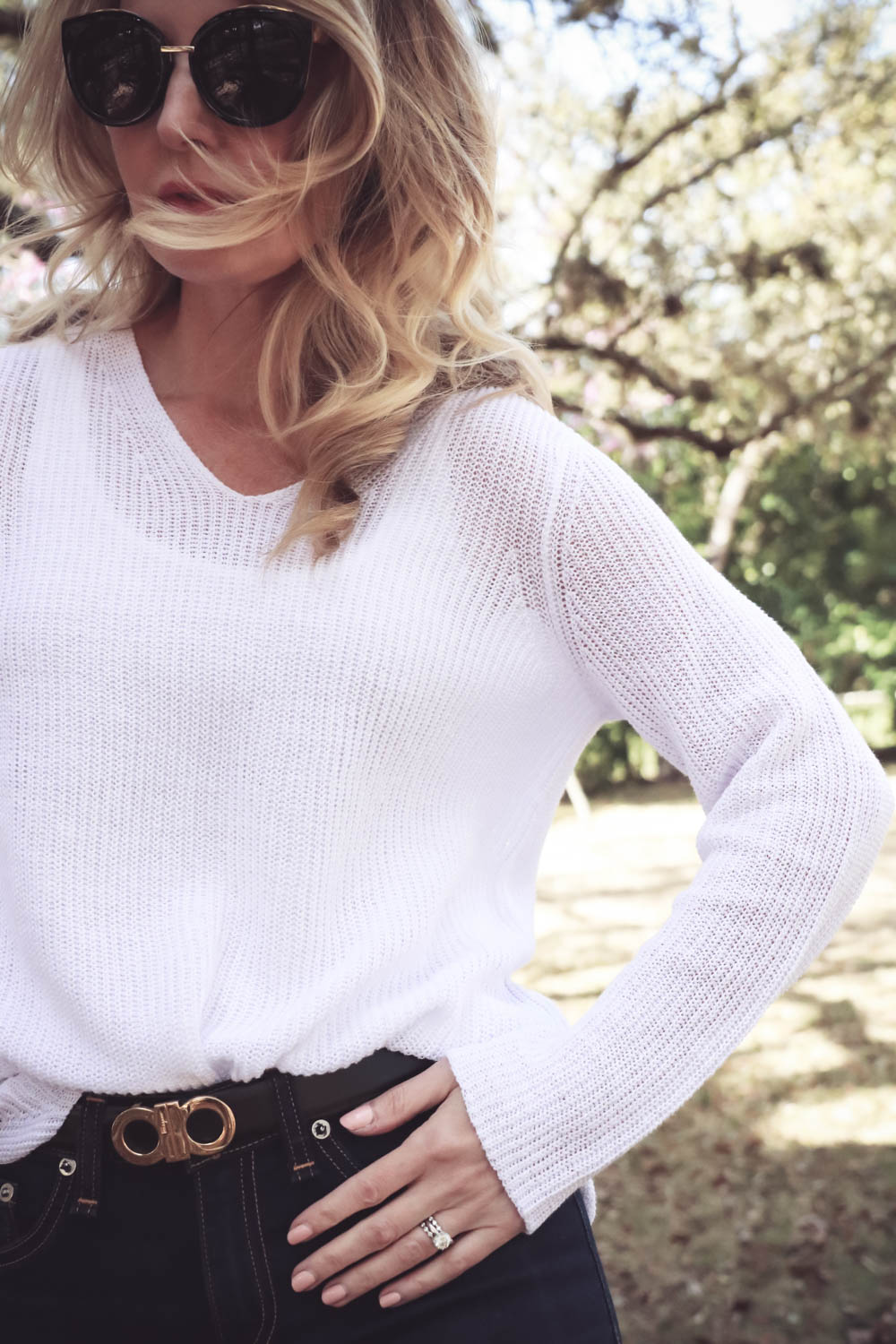 Erin Busbee fashion blogger and youtuber on busbeestyle wearing white cotton sweater v-neck by Eileen fisher