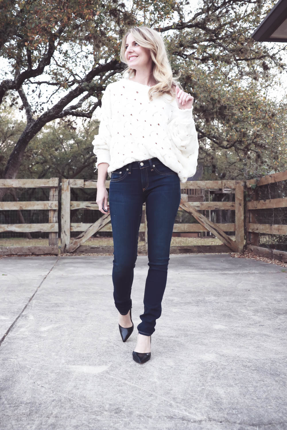 Spring wardrobe basics with erin busbee of busbeestyle and nordstrom featuring a pair of dark wash skinny jeans by Rag and bone from nordstrom
