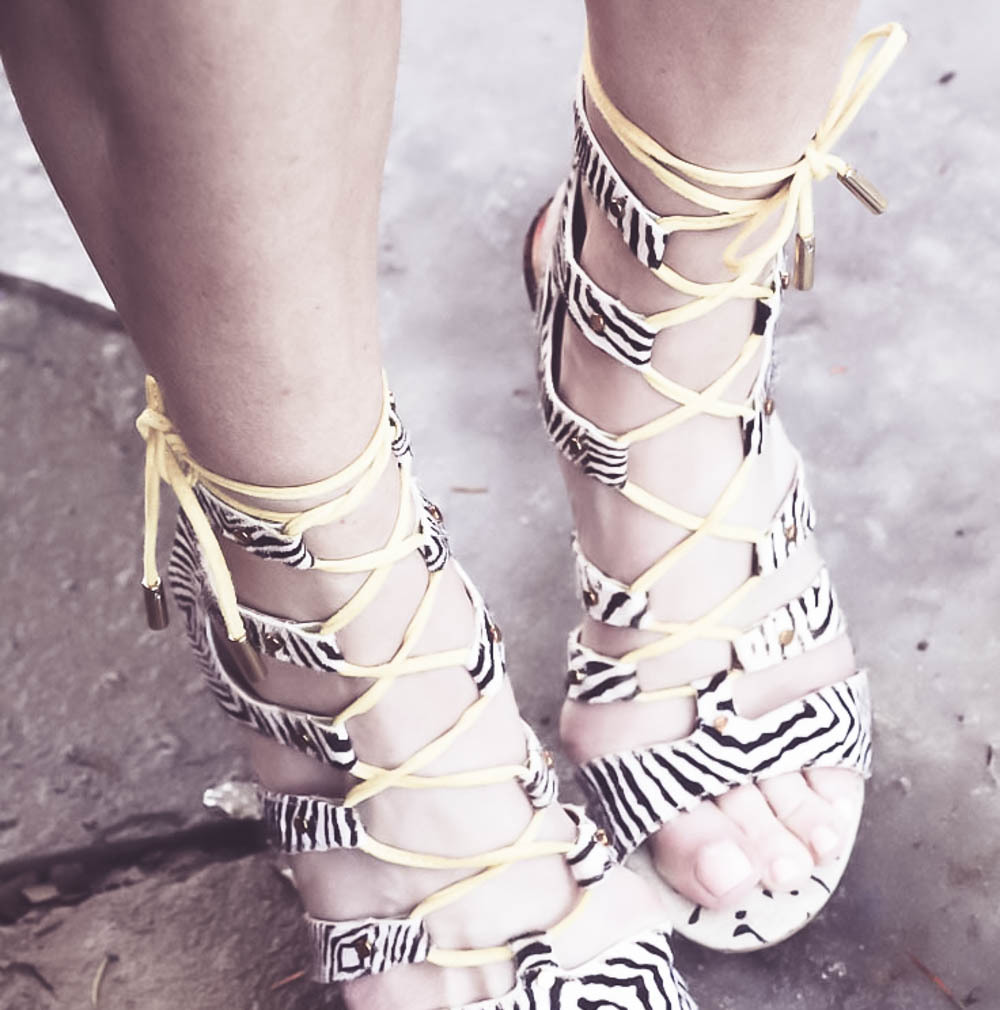 Reward Style Conference 2017, What I Wore to the opening night pool party sponsored by Sole Society, dolce vita animal print yellow and black laceup sandals