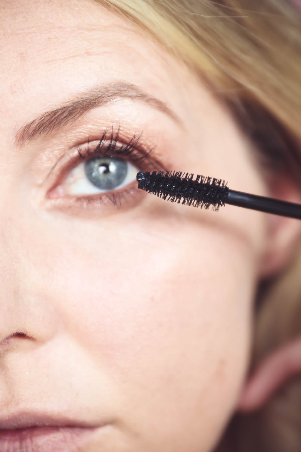 5-Minute makeup routine featuring charlotte tilbury big fat lashes mascara