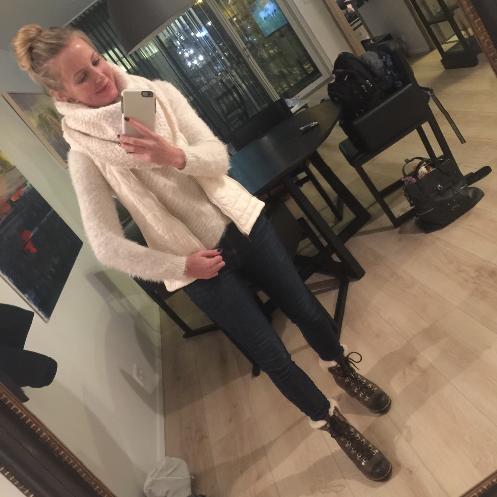 Planning a trip to Iceland, Erin Busbee of Busbee Style, what to wear and what to pack