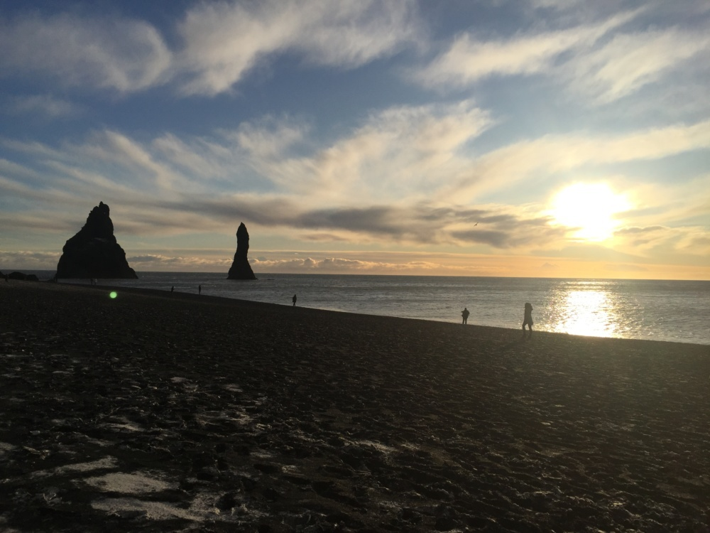 Iceland Trip | Lifestyle Blogger, Erin Busbee of Busbee Style and her family, daylight, hours of sunlight in November