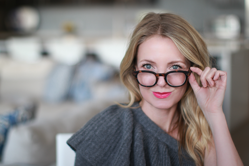 starting a blog, February Favorites 2018 featuring Izizpizi readers from Paris on fashion youtuber Erin busbee of busbeestyle tv, busbeestyle.com
