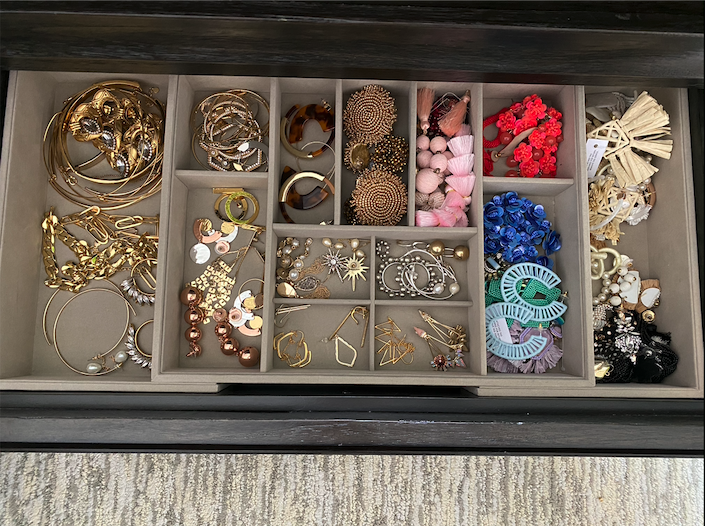 Closet Organization, Fashion blogger Erin Busbee of BusbeeStyle.com sharing how to organized her jewelry in a drawer using an expandable jewelry organizer