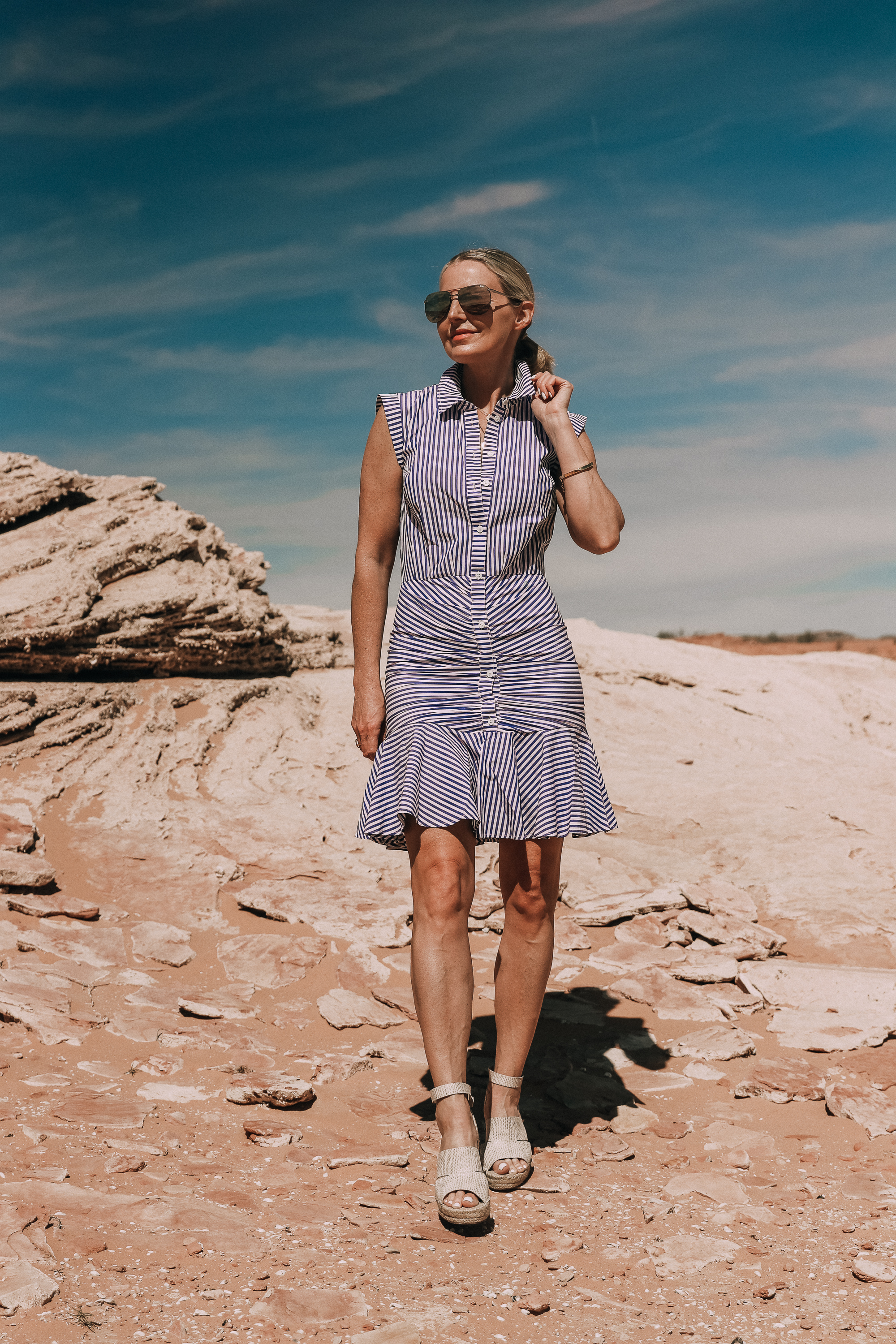 veronica beard blue and white bell button down ruched shirt dress worn by fashion blogger with treasure and bond platform wedges in lake powell
