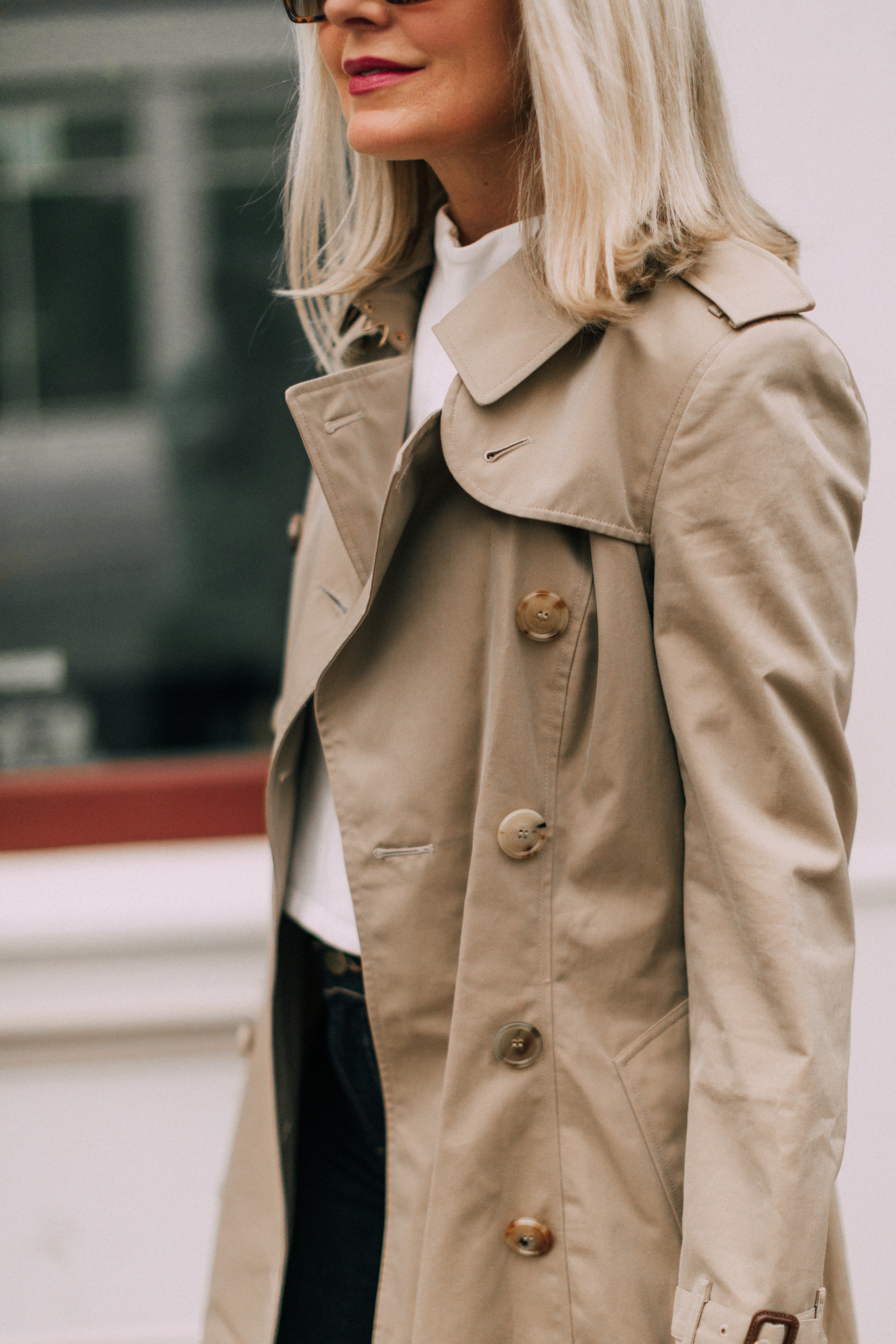 Burberry Chelsea Slim Fit Heritage dark honey trench coat outfit