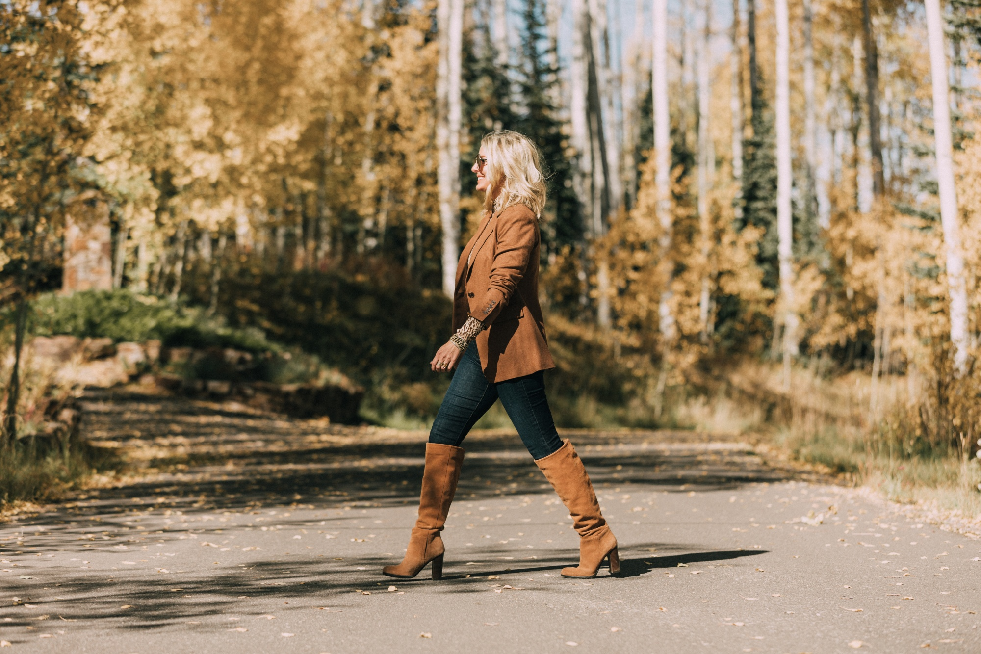 cute fall outfit featuring camel brown blazer leopard print turtleneck skinny jeans knee high suede boots