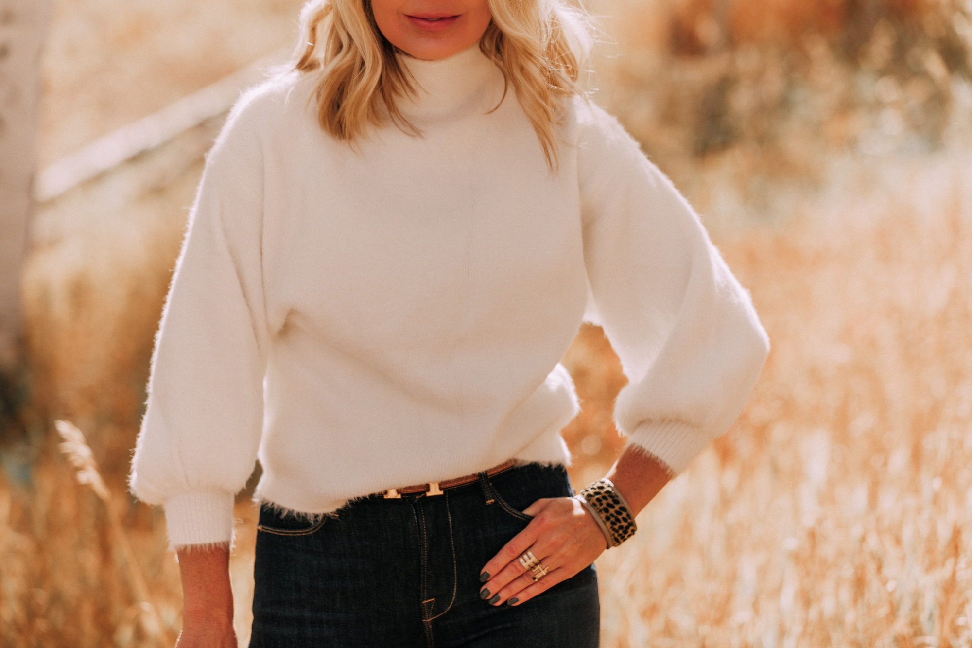Fuzzy Sweaters, Fashion blogger Busbee Style wearing white fuzzy Line & Dot sweater with rag & bone skinny jeans, Hermes gold H belt in Telluride, Colorado