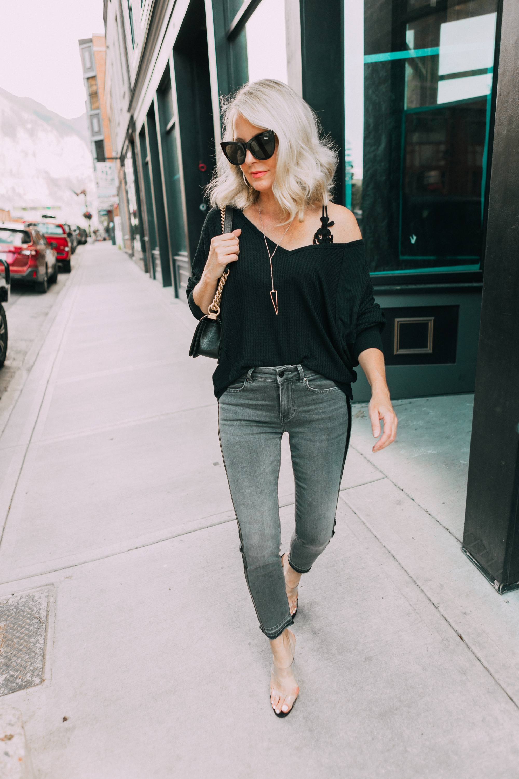 Women's fashion blogger, Erin Busbee, shows us how to wear black bralette with her 13 style hacks.