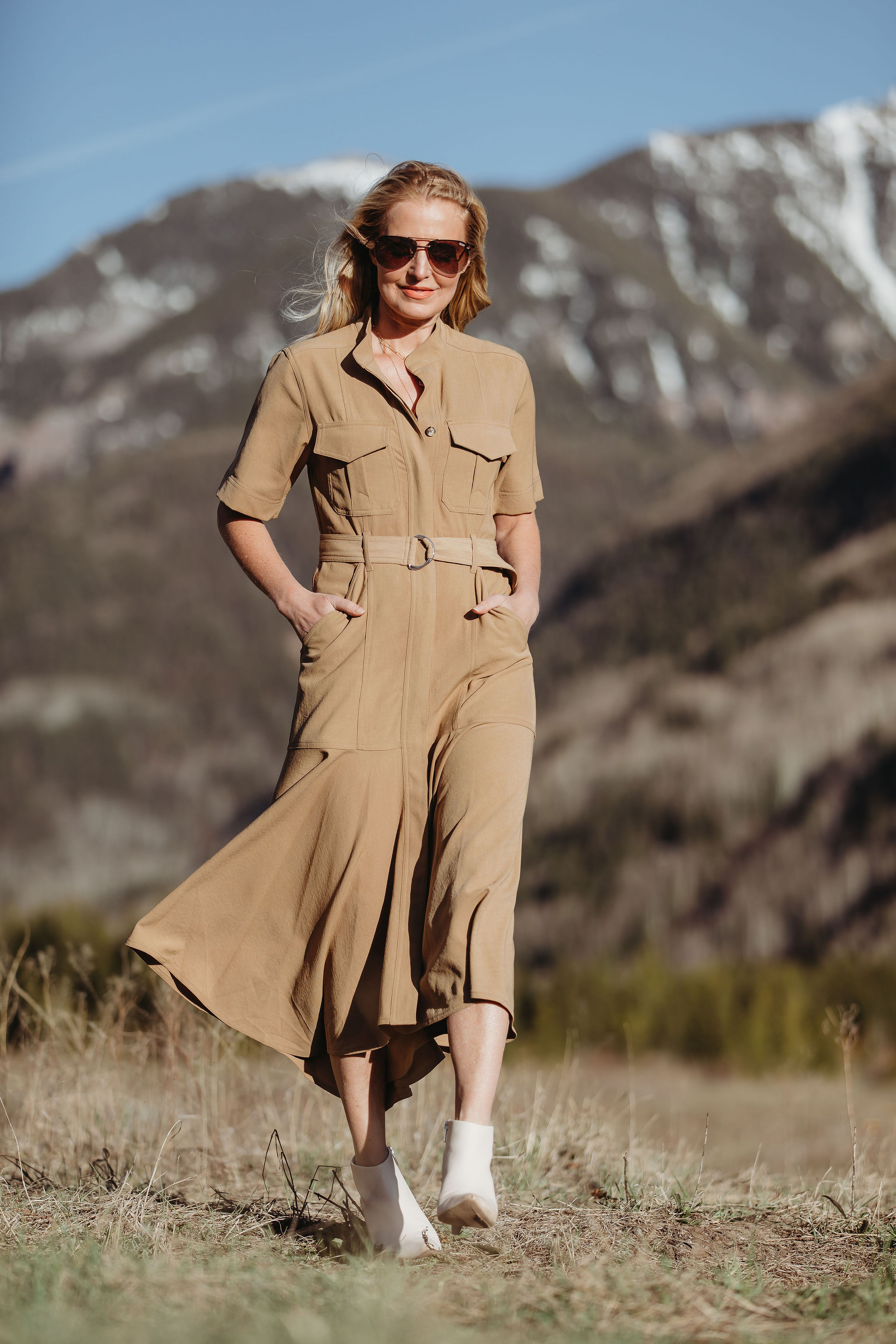 fashionable african safari outfit, what to pack for Africa safari, tan ALC belted shirtdress by ALC white booties