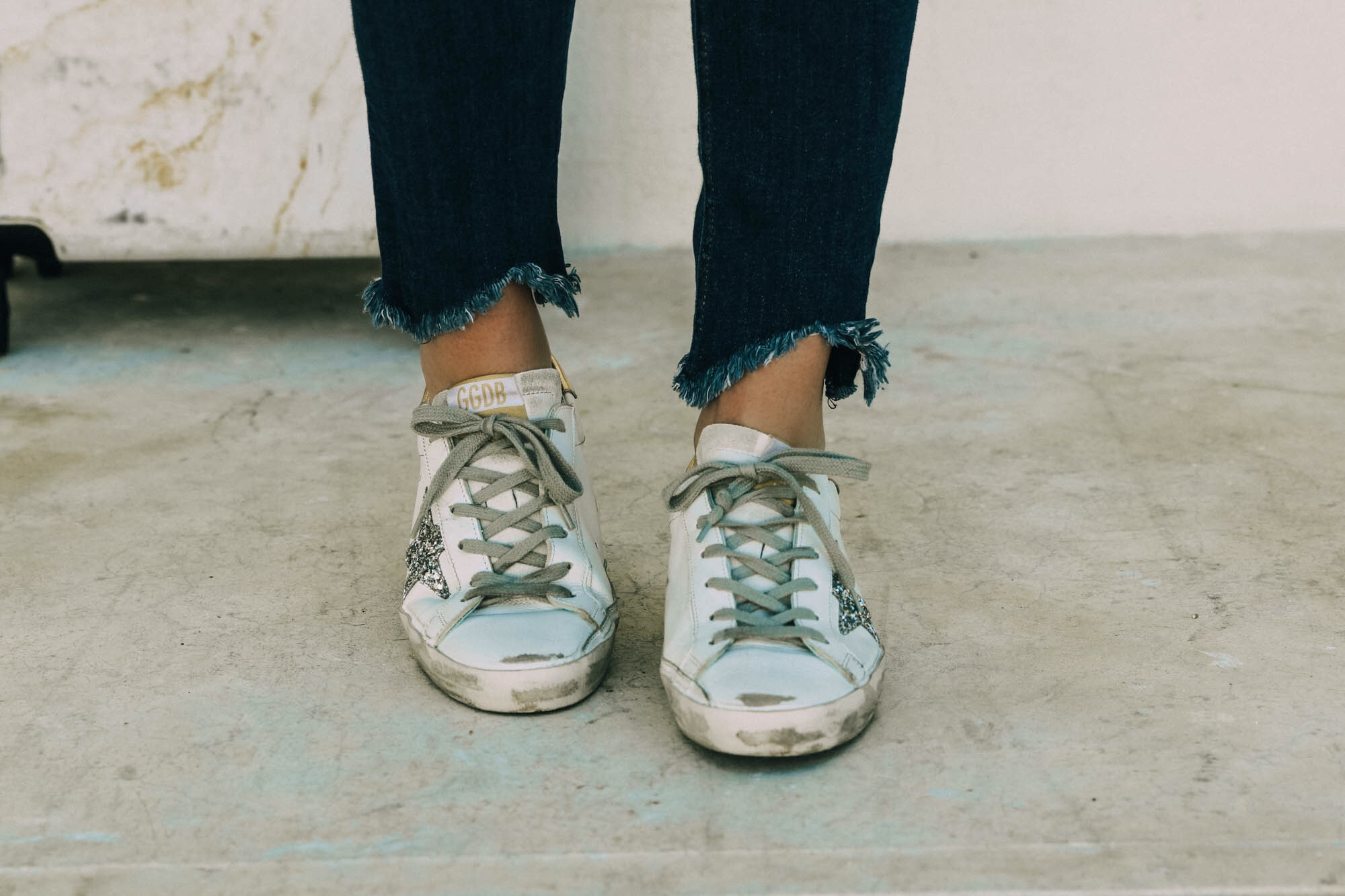 Golden Goose sneakers review white silver sequin Golden Goose superstar low top fashion sneakers