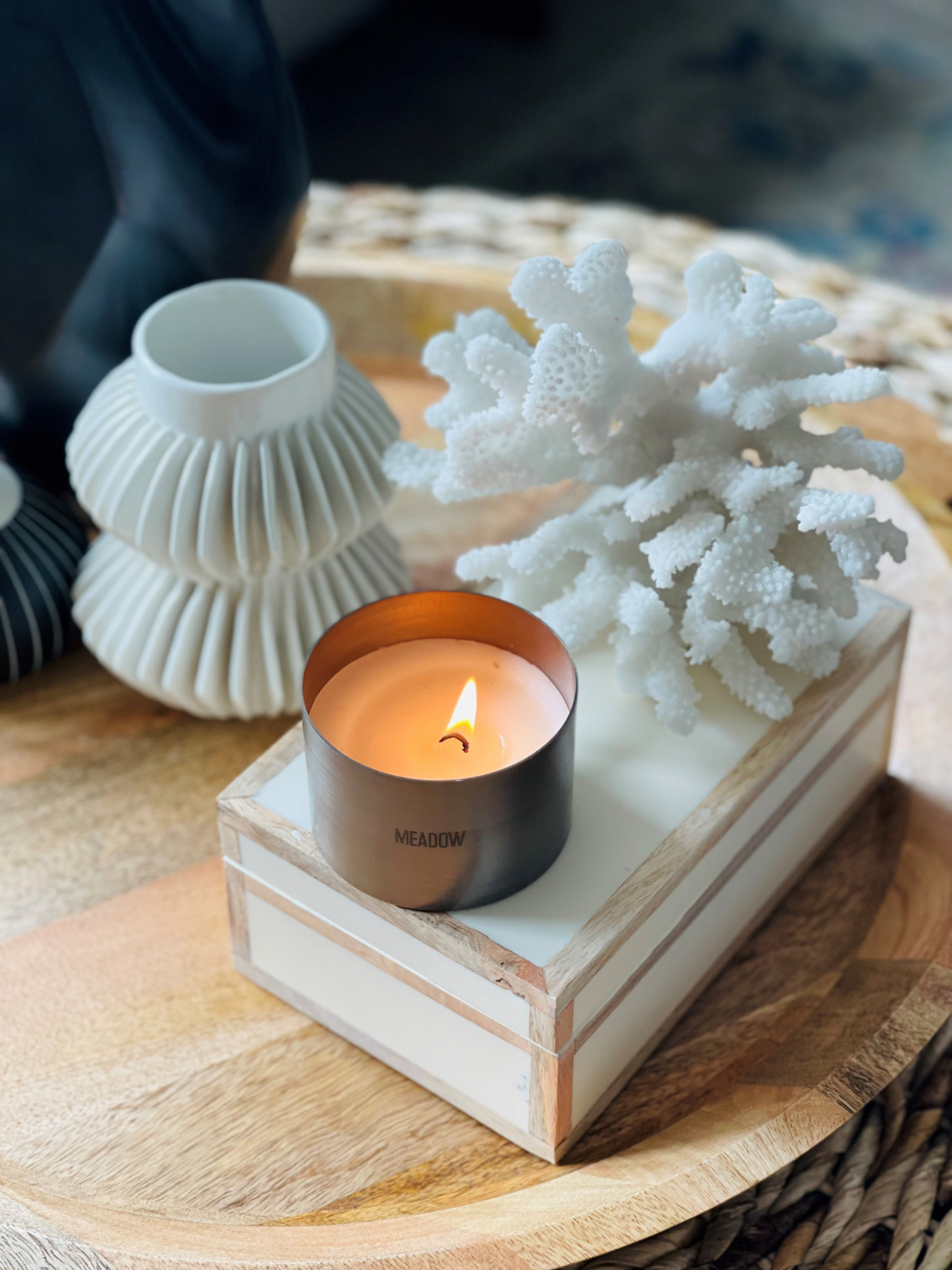 how to decorate your coffee table, style your coffee table with ease, 5 Sophisticated Ways to Style Your Coffee Table On A Budget