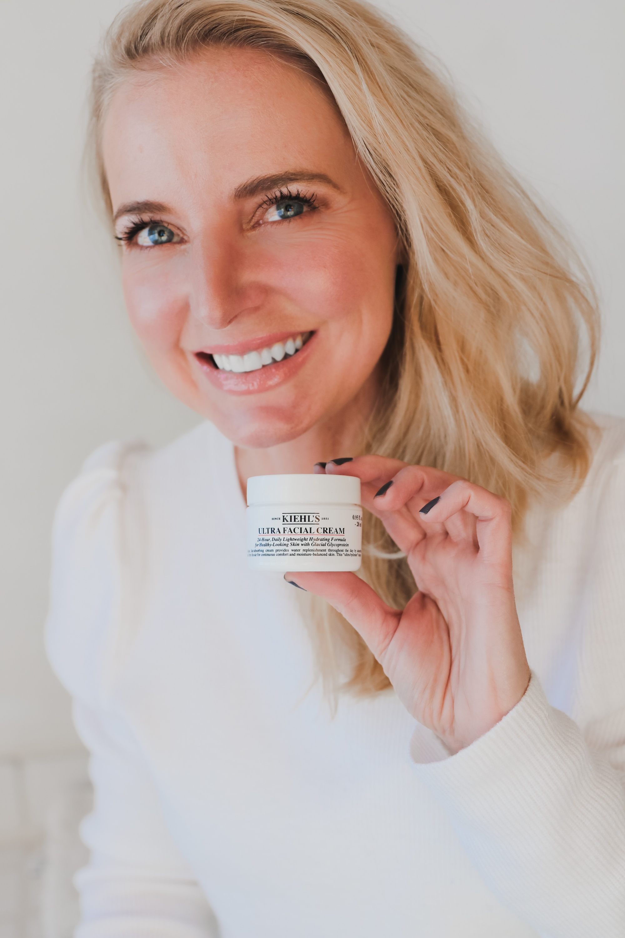 Skincare Gifts, Erin Busbee of Busbee Style using theUUltra Facial Cream by Kiehl' in Telluride, Colorado