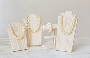 Hot Girls Pearls on display boards