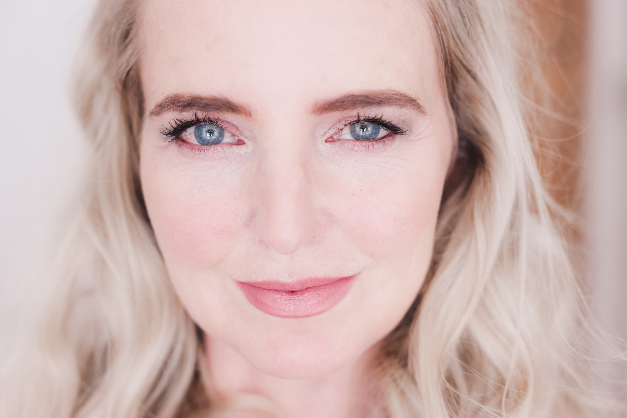 beauty tips to look younger, beauty over 40, how to look younger, beauty tips and tricks, thick brows, erin busbee