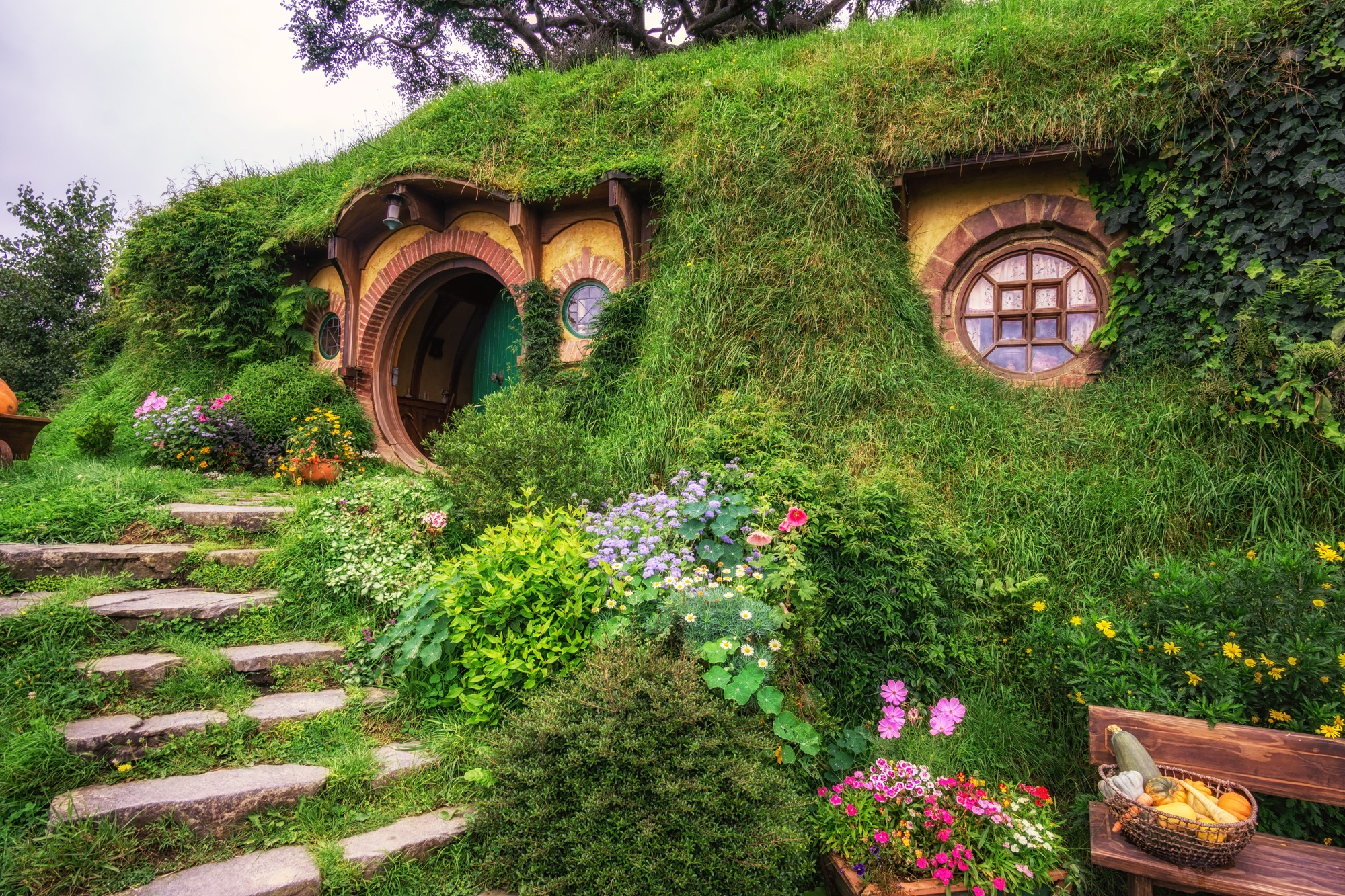 awesome movie locations, Hobbiton, the Shire, The Lord of the Rings, Matamata, New Zealand