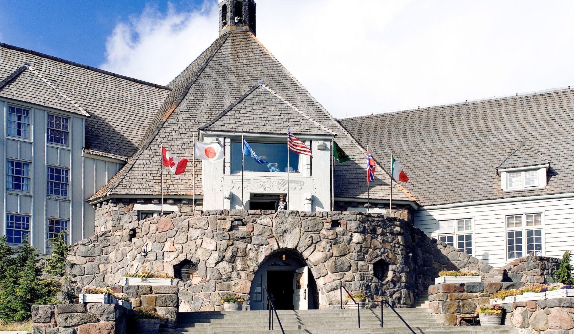 awesome movie locations, The Shining, Timberline Lodge, Oregon