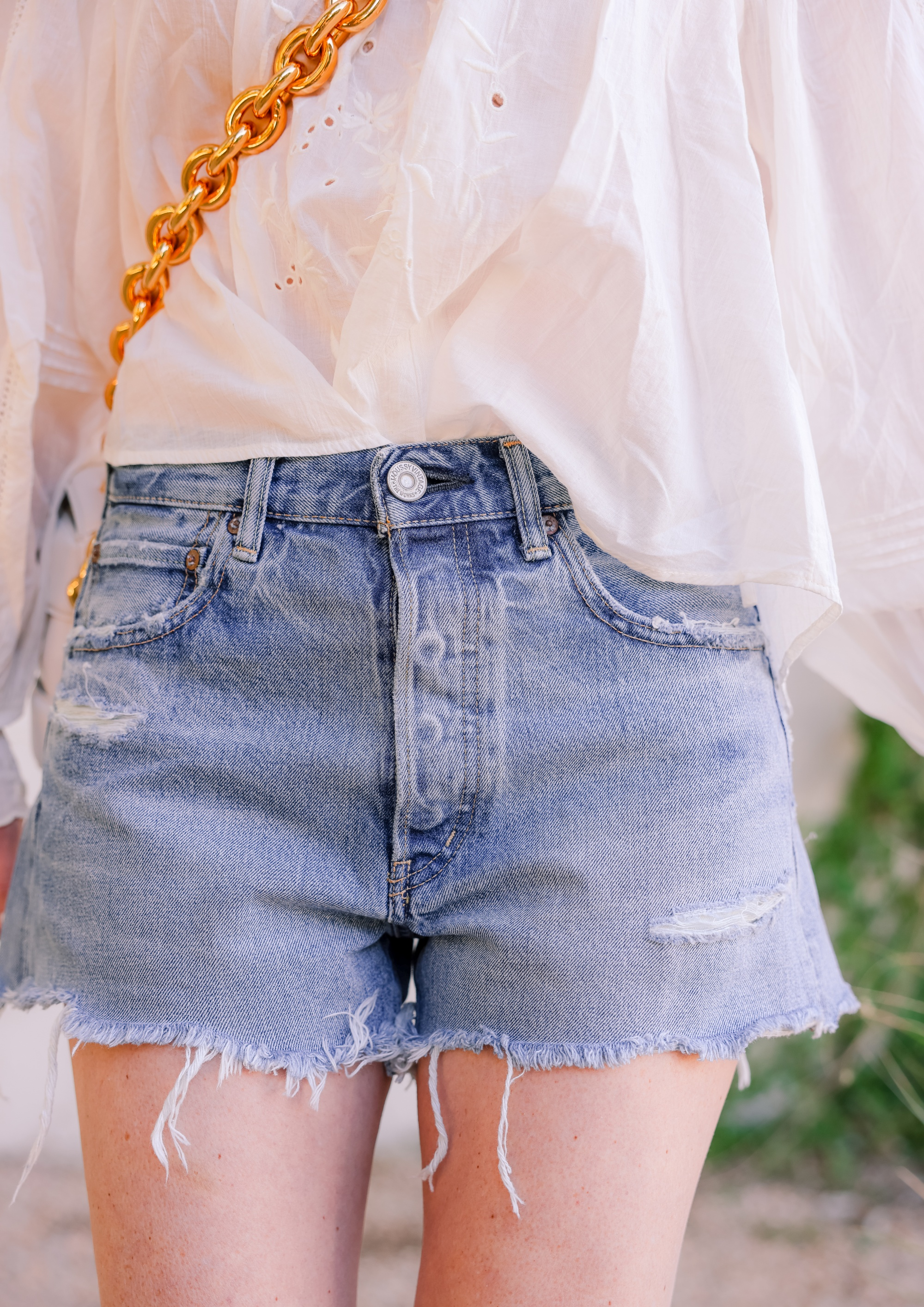 Moussy Vintage denim shorts, Erin Busbee, jean shorts, how should denim shorts fit, shorts for middle aged woman, how to wear shorts over 40, length of shorts womens, shorts inseam guide womens, are my shorts too short, jean shorts outfit, cute shorts, mom shorts outfit