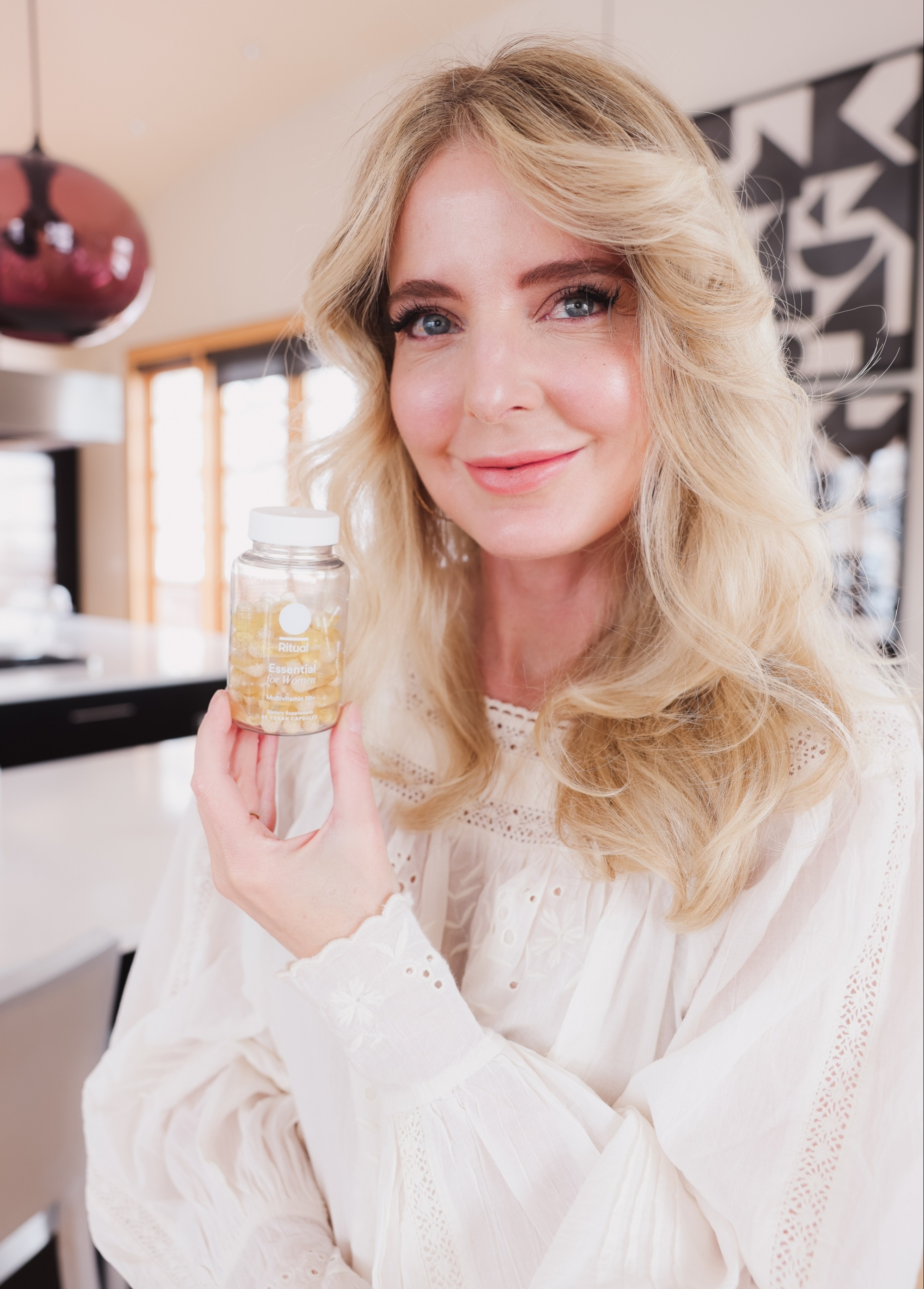 Everyday vitamins for women over 45 and women over 50 featuring Ritual vitamins and blogger over 40 Erin Busbee of Busbee style