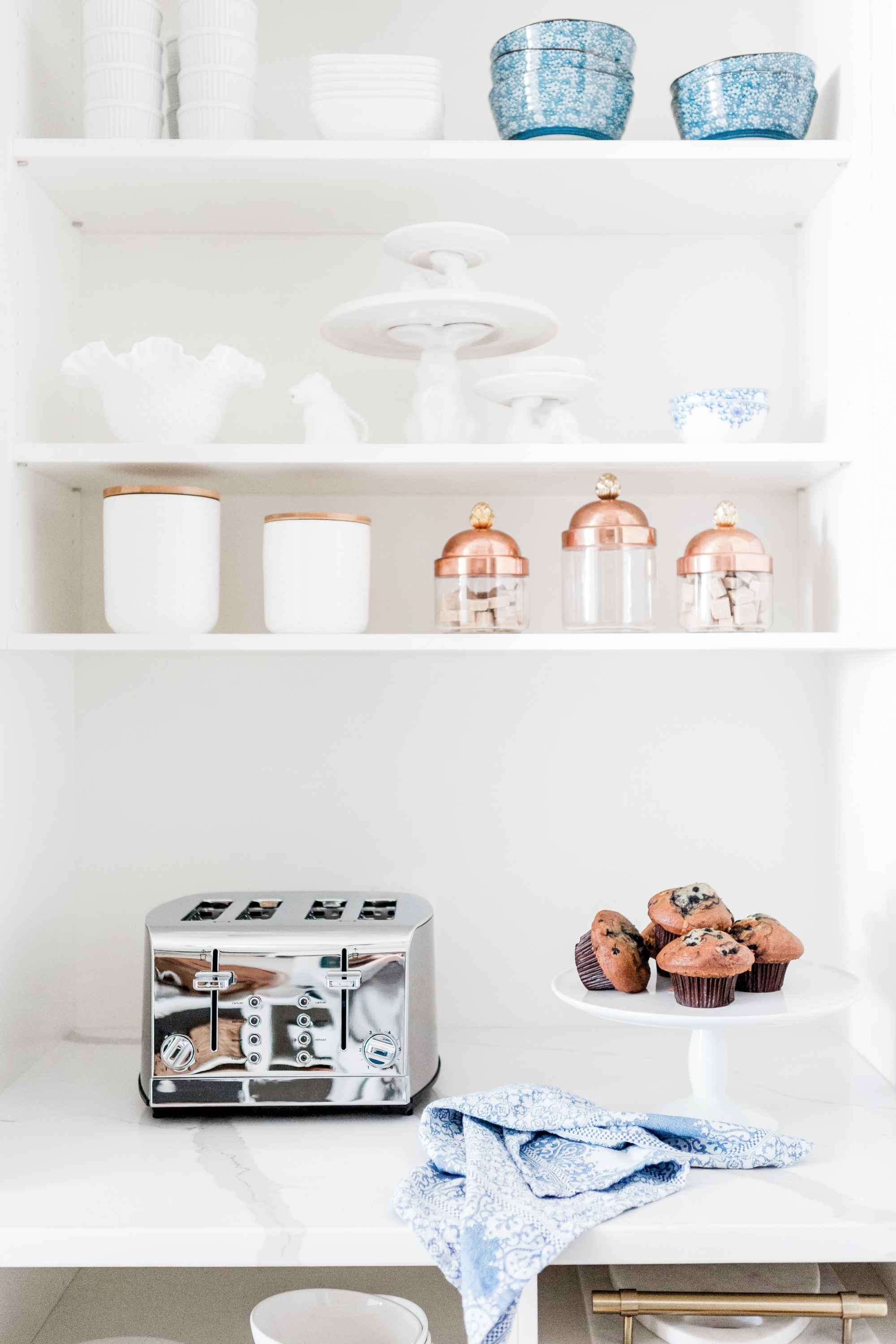 These Copper Accents Will Add Some Spark And Shine To Any Kitchen
