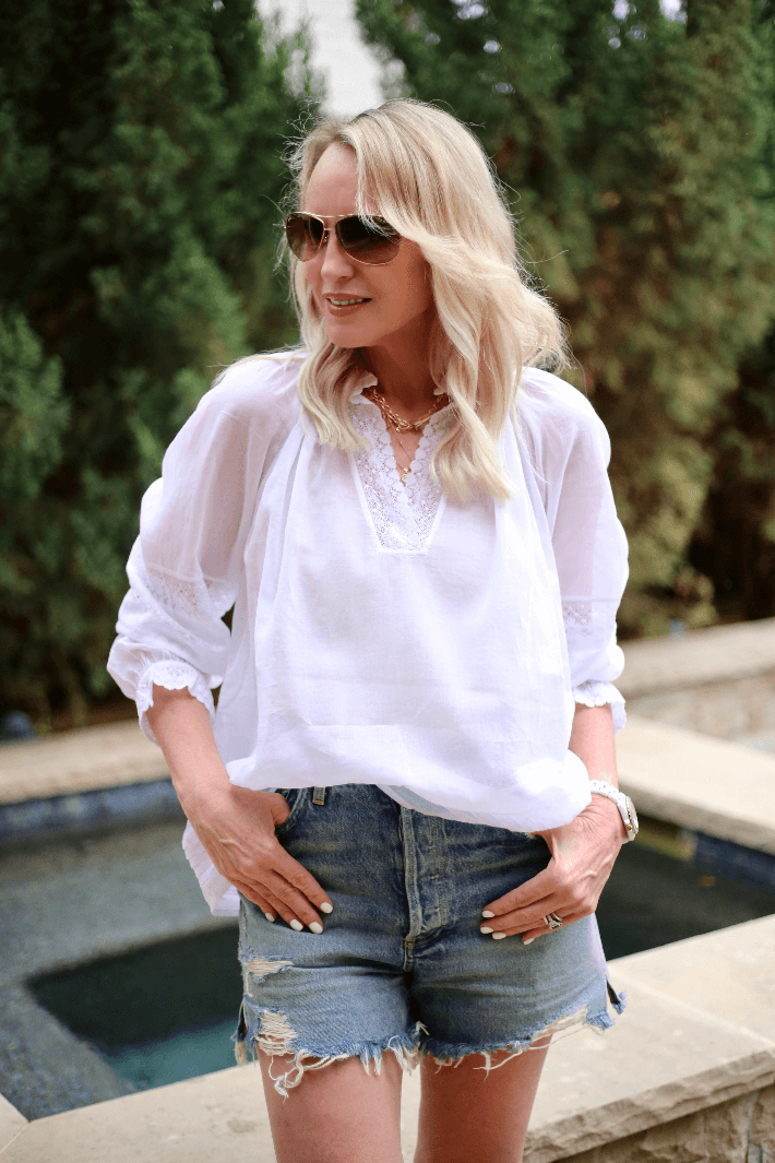 ways to wear shorts over 40, how to wear denim shorts, how to wear shorts over 40, Megan Saustad, trulymeganblog