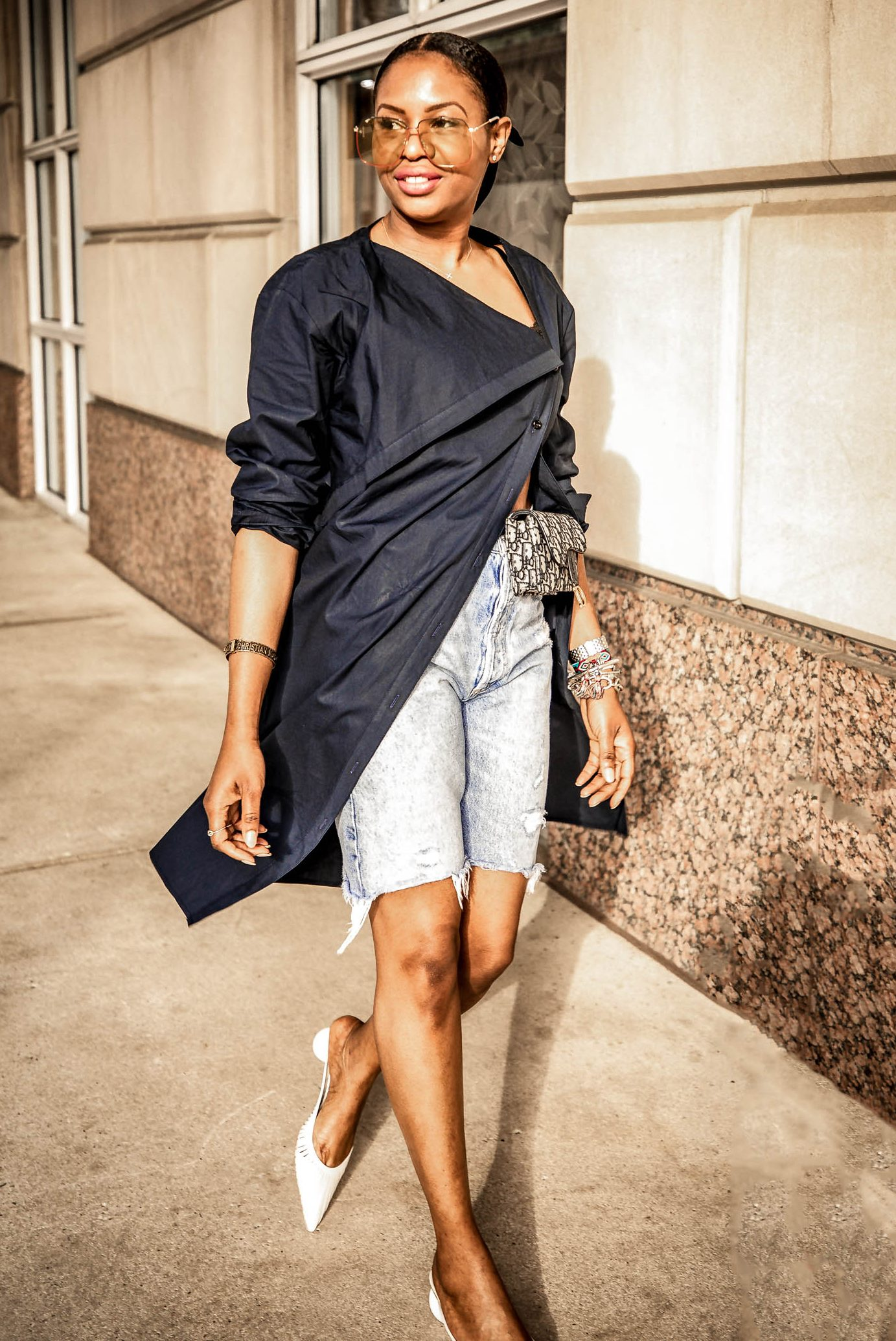 ways to wear shorts over 40, how to wear denim shorts, how to wear shorts over 40, awedbymoni