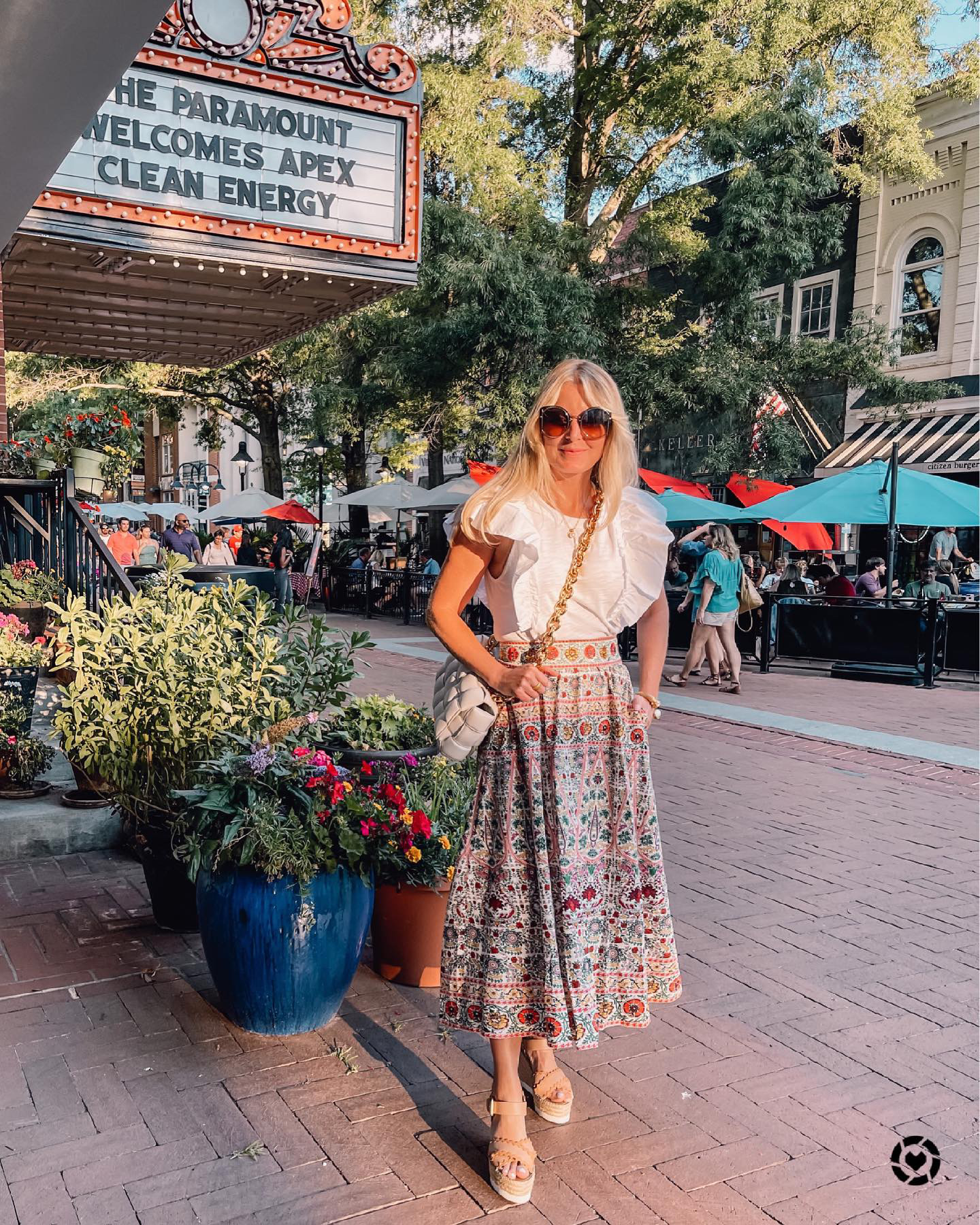 where to stop on a cross-country road trip, best places to stop on a cross country road trip, cross country road trip, west coast to east coast road trip, erin busbee, traveling with kids, how to travel with kids, how to travel with a dog, cross country road trip with kids, charlottesville virginia, alice + olivia embroidered midi skirt, see by chloe wedges, nation ltd ruffle sleeve top, bottega veneta chain cassette bag, salvatore ferragamo sunglasses