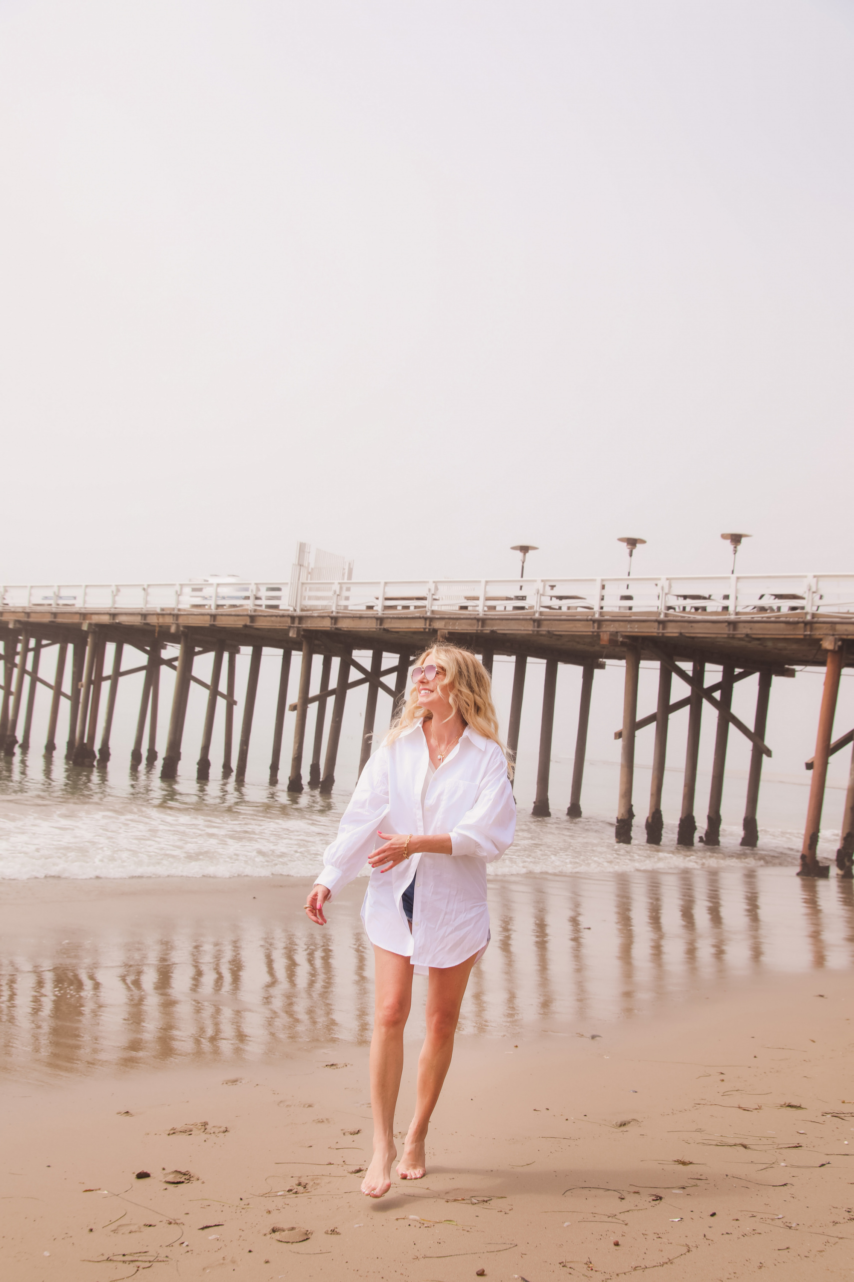 best white button down shirts, button down shorts over 40, how to find the perfect button dow shirt, white button down shirt, erin busbee, open edit oversized white button down shirt, why own a white button down shirt, levi's denim shorts, see by chloe espadrilles