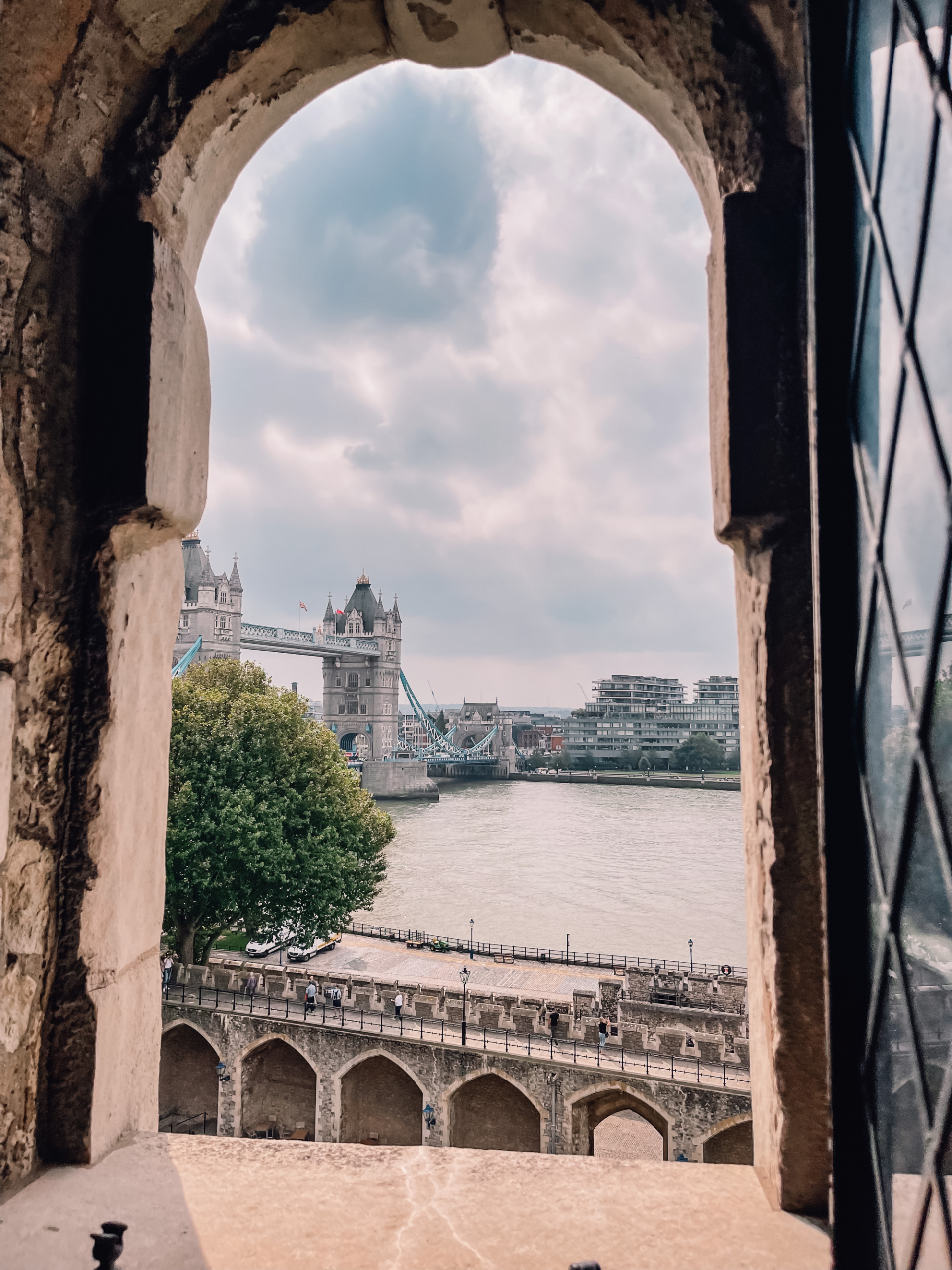 where to travel from spain, travel from spain, travel from madrid, erin bsubee, where to travel, weekend trips from spain, weekend trips from madrid, london, england, tower of london